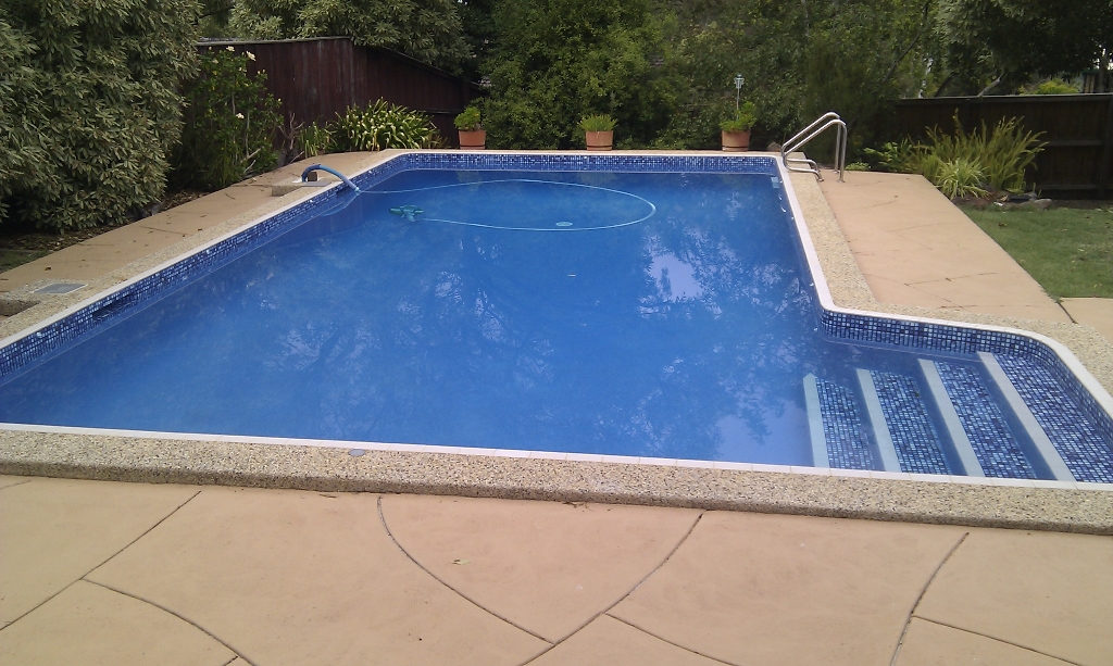 Rendered pool eltham pool renovation melbourne for Pool design eltham