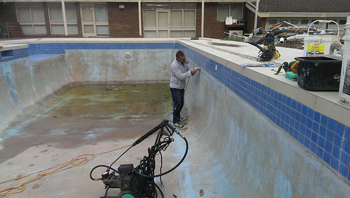 Pool Renovation Templestowe – Painting